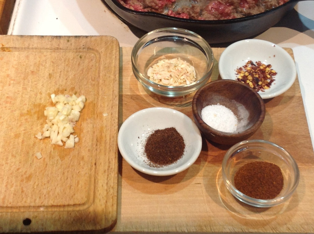 Minced garlic, dried onion, red pepper flake, salt, ancho, pasilla, & chili blend powders